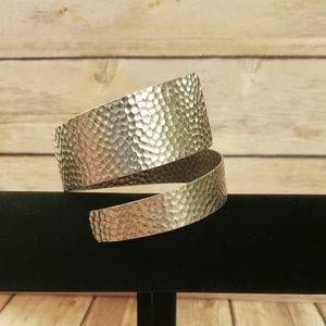 Vintage hammered metal bangle bracelet